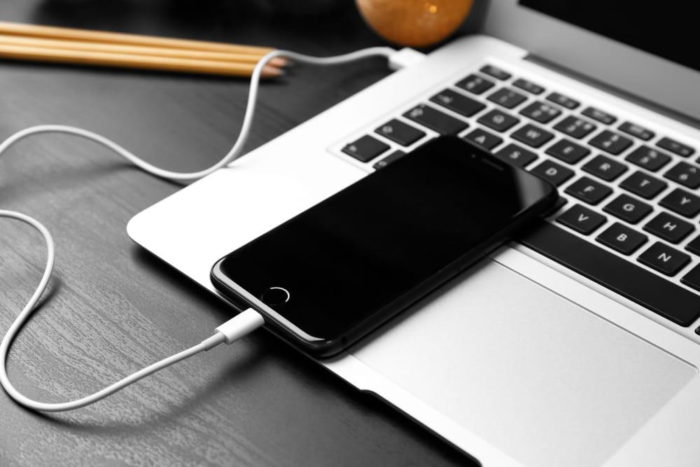 iPhone mit Computer verbinden